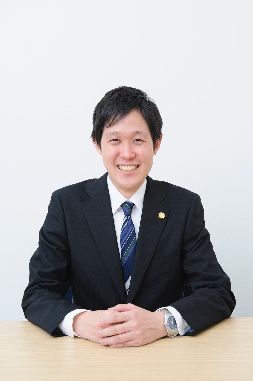 弁護士菅谷元太